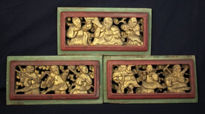Panels (3) - gold gilt - Wood - God of Longevity with The Eight immortals - Set of 3 wood carvings - China - Republic period (1912-1949)