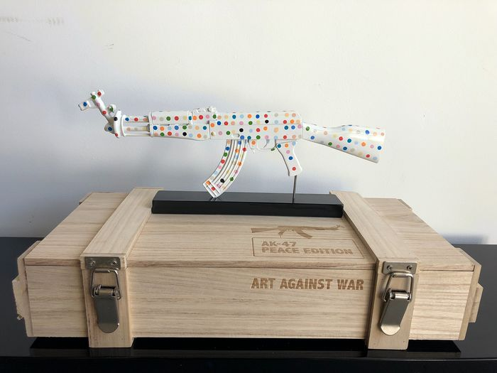 Van Apple - Art Against War Damien Hirst