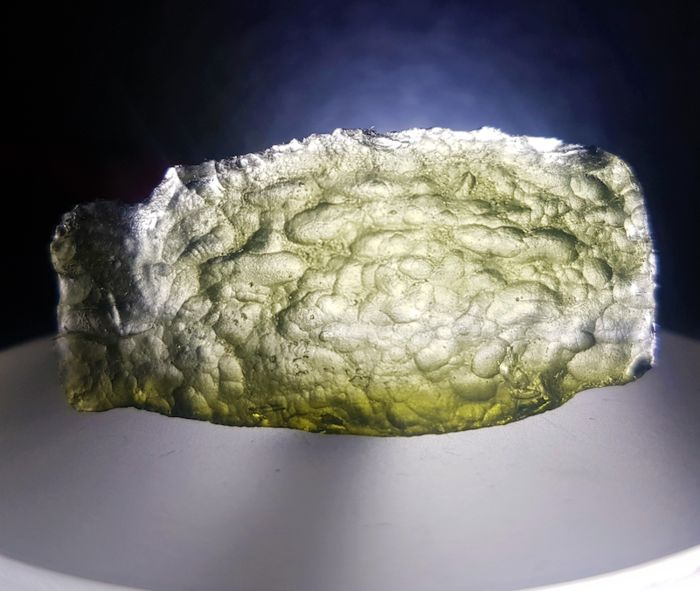 Moldavite, tektite from meteorite impact. Great shape - 7.4 g