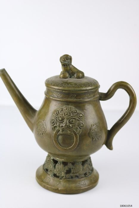 teapot with foo dog and dragons - Bronze - China - Late 20th century