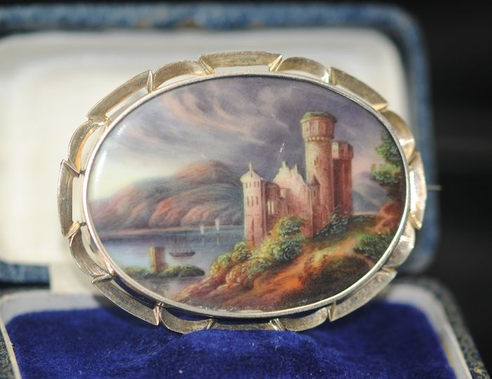 Scottish Landscape Painting - 9K Yellow gold - Brooch