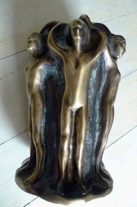 Sculpture with various naked figures - Bronze