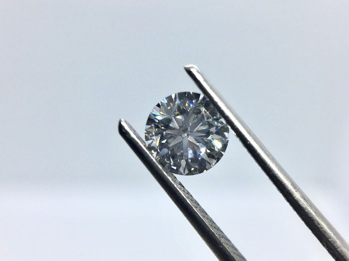 1 pcs Diamond - 0.70 ct - Brilliant, Round - D (colourless) - VVS2