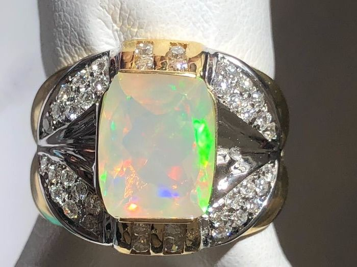 White gold, Yellow gold - Ring - 2.34 ct Opal - Diamond