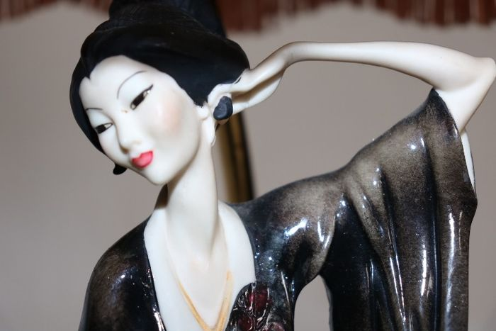 G. Armani - Chinese lady table lamp - Porcelain
