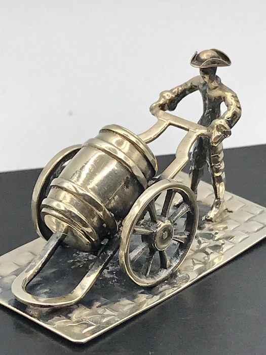 Lesener Amsterdam  - Large Dutch silver miniature Man with beer barrel on pushcart. - Silver