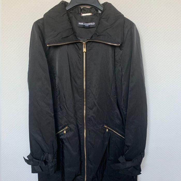Karl Lagerfeld - New - Never Used -  NO RESERVE PRICE - Lightweight Rain Jacket - Size:  S