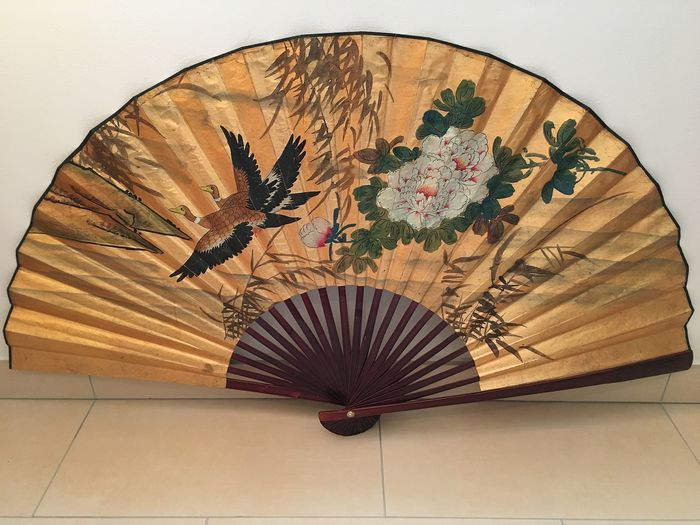 Large hand-painted fan 2 beautiful ducks and flowers - Paper, Wood