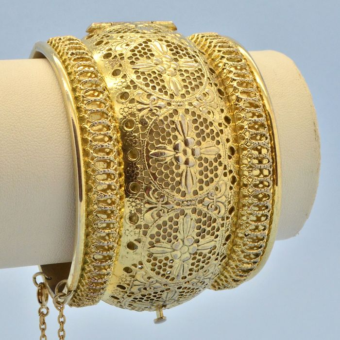 Whiting & Davis Vintage 1970s Ornate Middle East Inspired Gold Plated Hinged Cuff - Bracelet