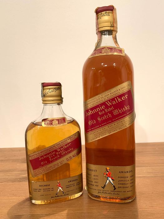 Johnnie Walker Red Label Old Scotch Whisky & Mignonette  - b. Década de 1970, Década de 1980 - 20cl & 75cl