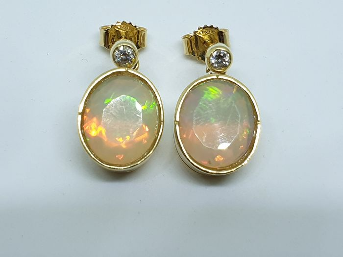 18 kt. Yellow gold - Earrings - 6.50 ct Opal - Diamonds
