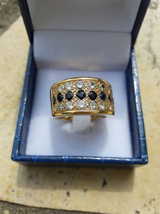 18 kt. Yellow gold - Ring - 10.00 ct Sapphire - Diamond