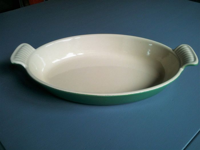 Le Creuset - Enameled cast iron casserole dish (1) - Enamel, Iron (cast/wrought)