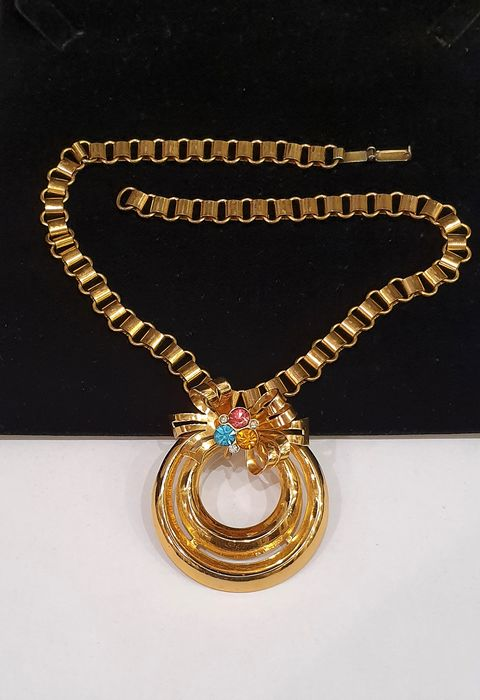 COHN&ROSENBERG  gold toned book chain - Bow pendant Necklace - New York 1950's