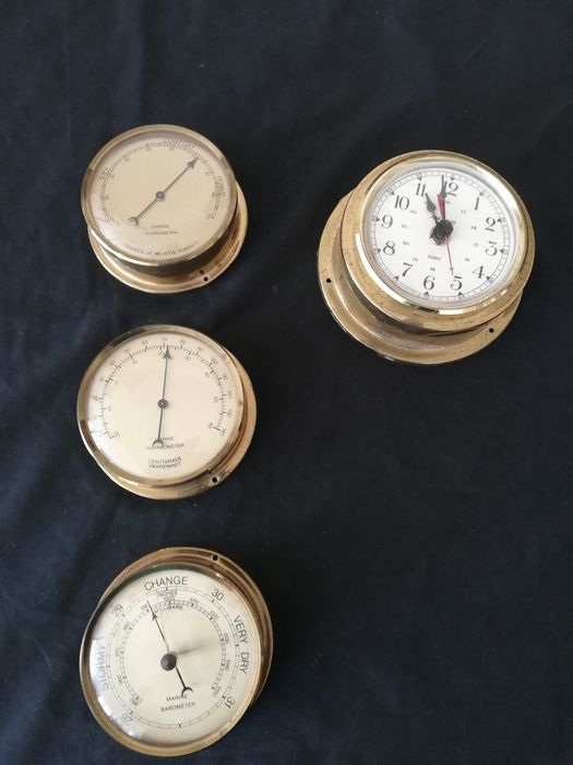 Set of Vintage Maritieme instruments  (4) - Brass plastic quartz clock movement  - 20th century