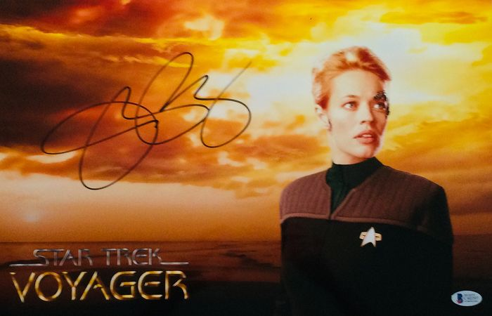 """Jeri Ryan """"Star Trek: Voyager"""" - Signed Poster ( 23 x 45 cm ) - with Certificate Authenticity BECKETT"""