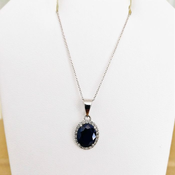 18 kt. White gold - Necklace with pendant - 2.93 ct Sapphire - Diamonds