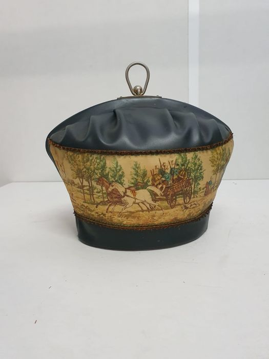 original old tea cozy with hunting scene - Textiles