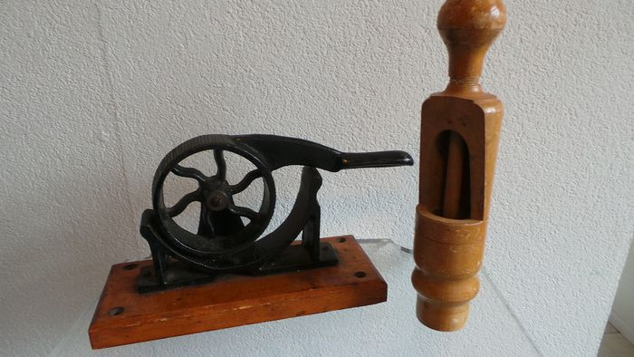 Cork platter / press and cork propper - cast iron and wood