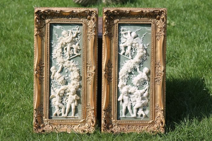 large set of 2 marble-compensated plaques in gold-plated frames with beautiful ornaments (2) - Baroque - wood-marble compensation