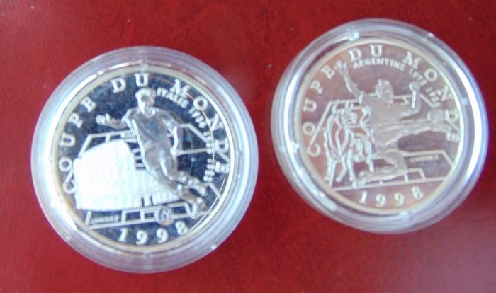 France - 10 Francs 1997 'Coupe du Monde' (2 different)  - Silver