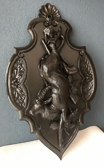 Beautiful, detailed carving, hunting trophy - 73 cm - Wood - First half 20th century
