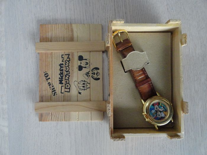Disney-  Fabulous 5 watch - extremely rare - First edition - (1994)