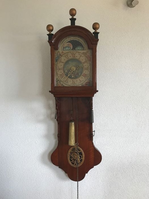 Frisian tail clock with moon and date indication - Wood, Oak - 19th century