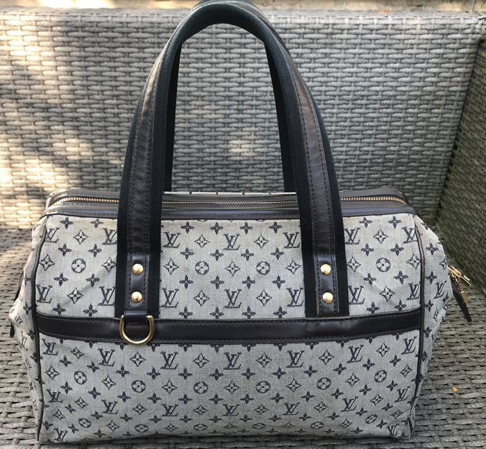Louis Vuitton - Josephine GM Handbag