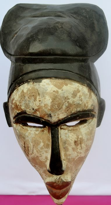 Mask (1) - Wood - In the style of Yombe - DR Congo
