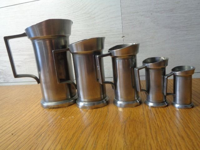 C Kurz & co - C. Kurz & co - ashtray and size jugs (6) - pewter