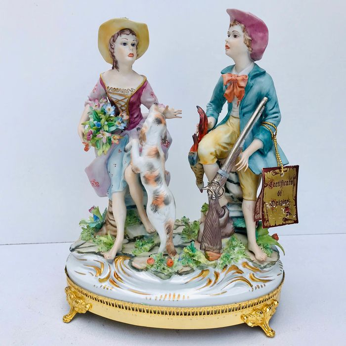 "Carpie for Capodimonte ""hunting scene"" - Porcelain"