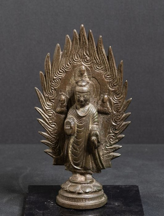 Standbeeld - Brons - Bronze bouddha standing in front of mandorle - China - Qing Dynastie (1644-1911)