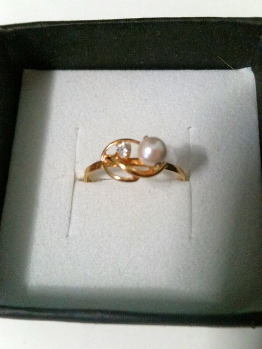 18 kt. Gold, Yellow gold - Ring - 0.31 ct Pearl - Diamond