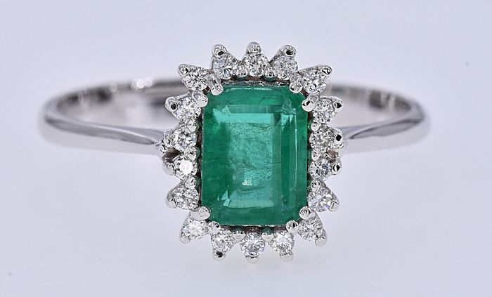 18 kt. White gold - Ring - 1.01 ct Emerald - Diamonds