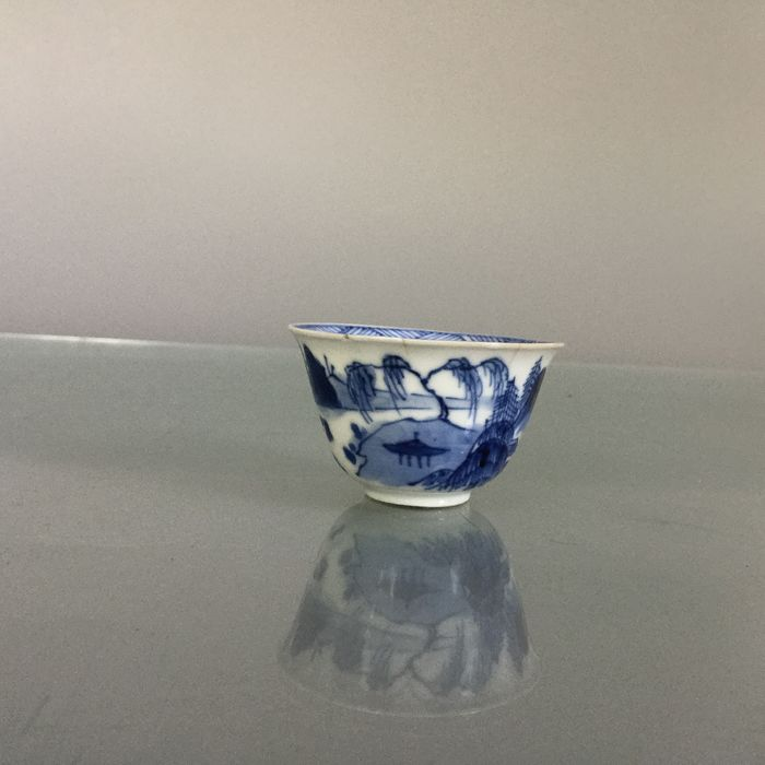 Miniature blue white wine cup - Blue and white - Porcelain - China - 19th century