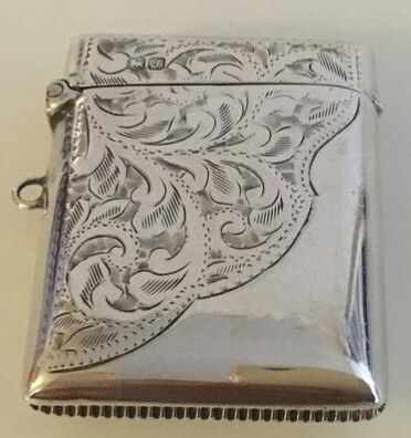 Edwardian Sterling silver with scroll etched decoration Vesta Case  - Silver - 1919