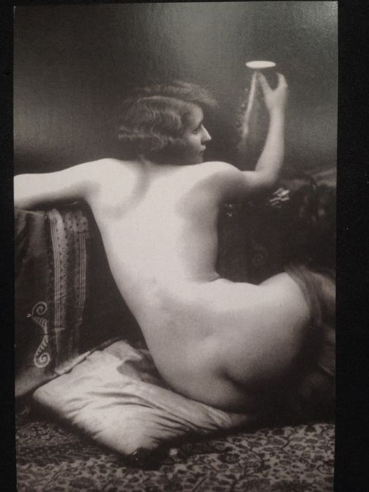 20s-30s booklet containing 10 b / w postcards depicting nude women in an artistic pose altro