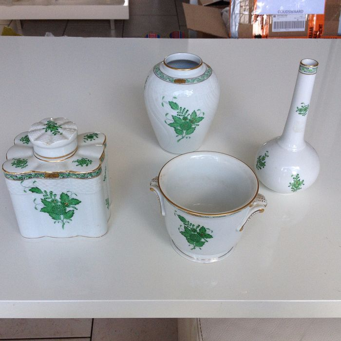 Herend - vases, cachepot and tea caddy - Apponyi green (4) - Porcelain