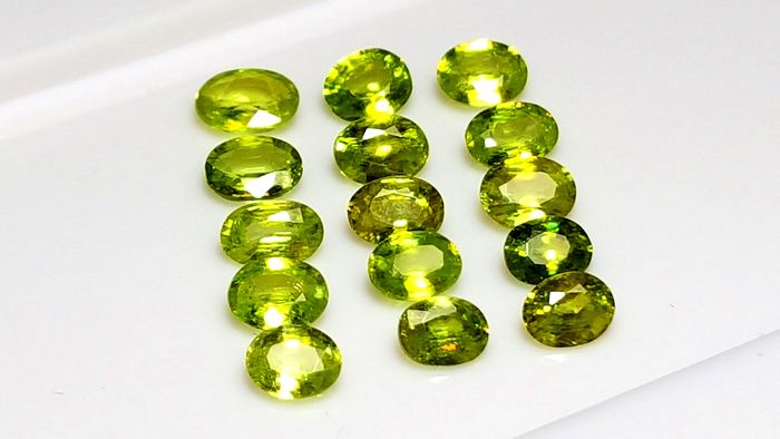 15 pcs Green, Yellow Sphene - 6.87 ct