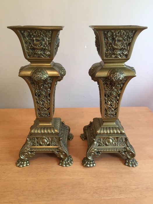 Signed with Initials H.C. - Possibly Henri Coutheillas - Pair of vases - Neoclassical Style
