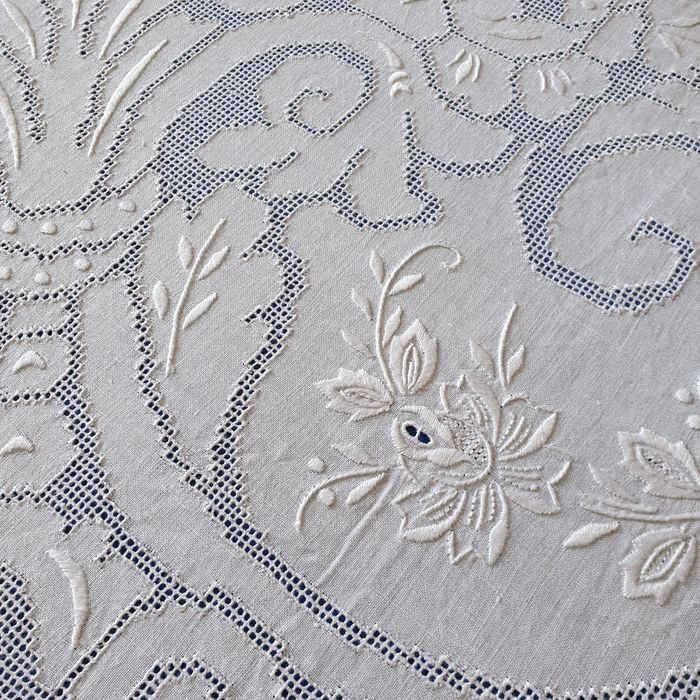 Bedspread in pure linen entirely embroidered - Linen - Second half 20th century