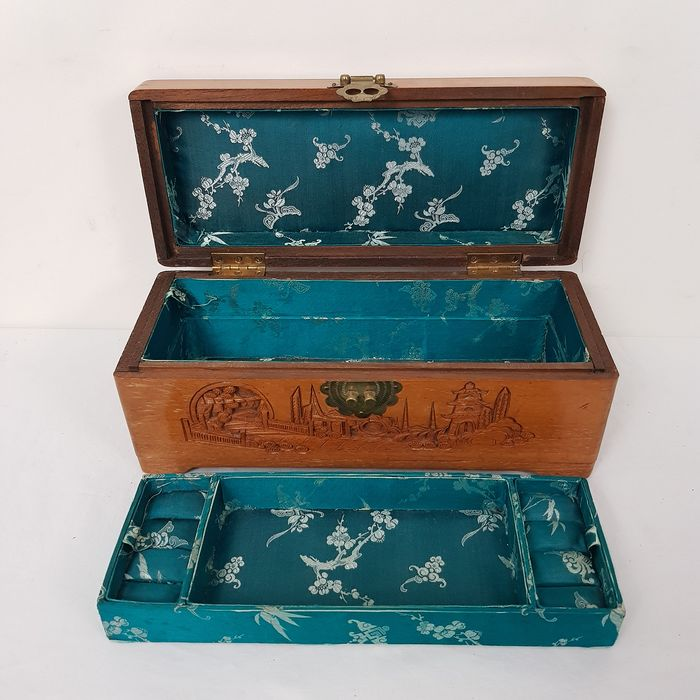 Wooden carved jewelry box - Wood