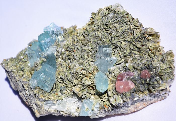 Rare Aquamarine with pink Apatite  Mineral Collection - 190×109×60 mm - 1141 g - (1)