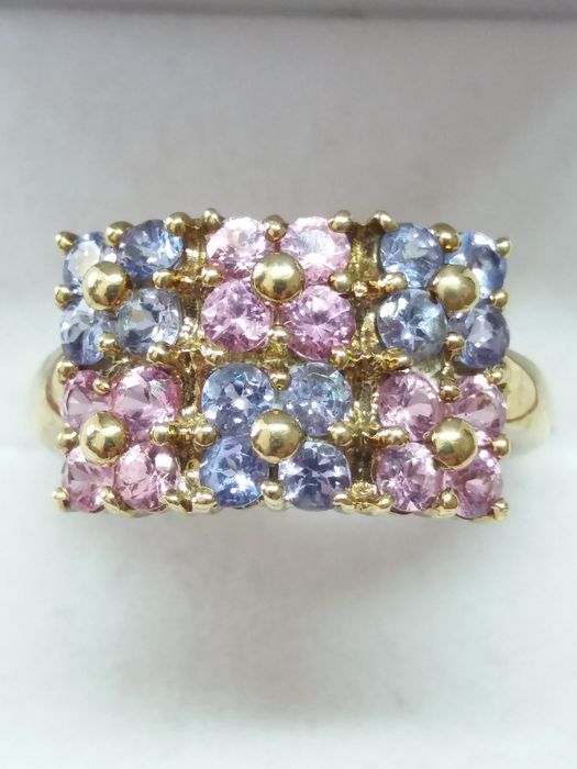 9k/9ct - Brilliant Cut Pink Sapphire and Tanzanite Cluster Ring