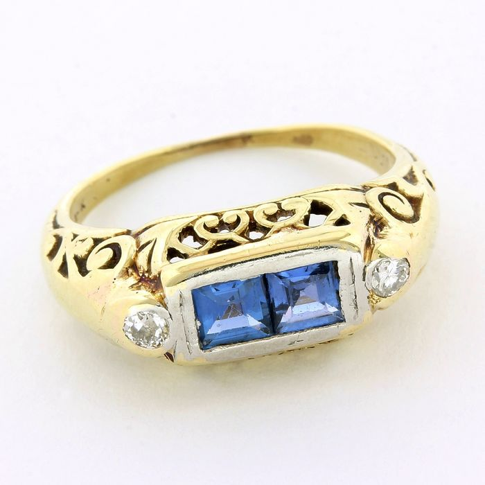 14 kt. White gold, Yellow gold - Antique Ring - 0.40 ct Sapphire - Diamond