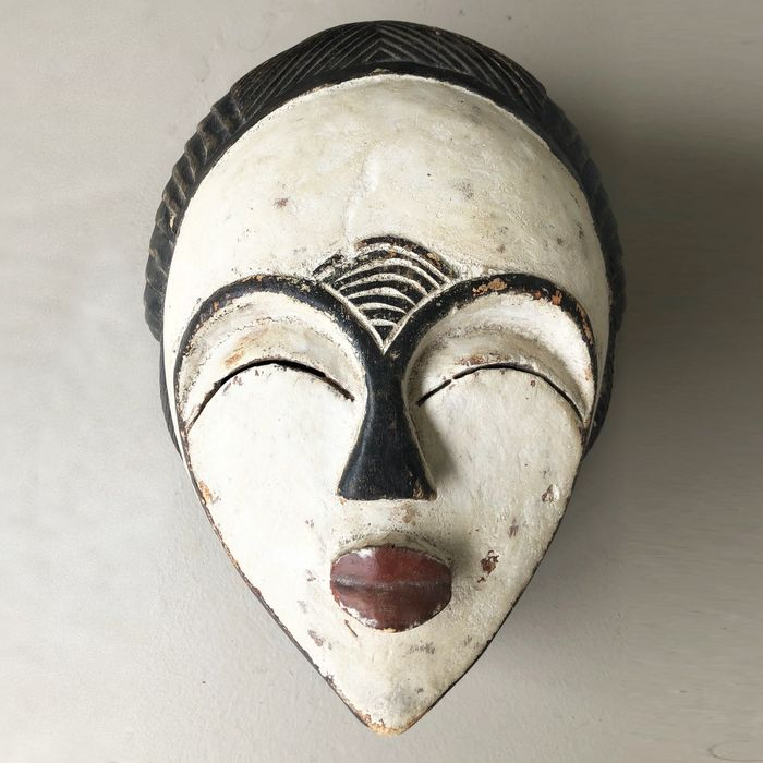 Initiation mask (1) - Wood - In the style of Punu - Gabon