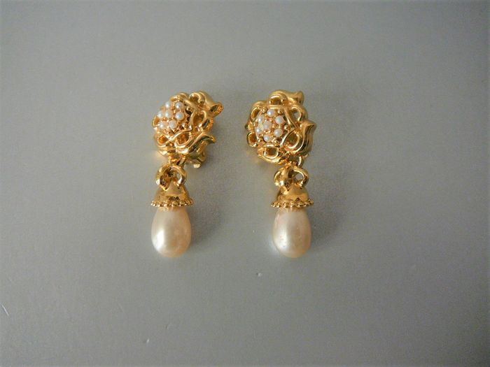 Nina Ricci Gold-plated - Ear clips with oval pearl and seed pearls