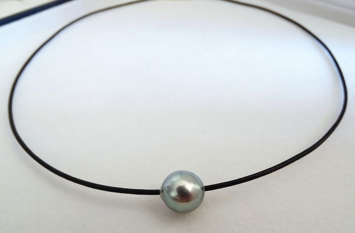 HS Jewellery Tahitian pearl, Silver Blue 10.58 mm X 11.42 mm - Necklace, Leather Choker (NO RESERVE)