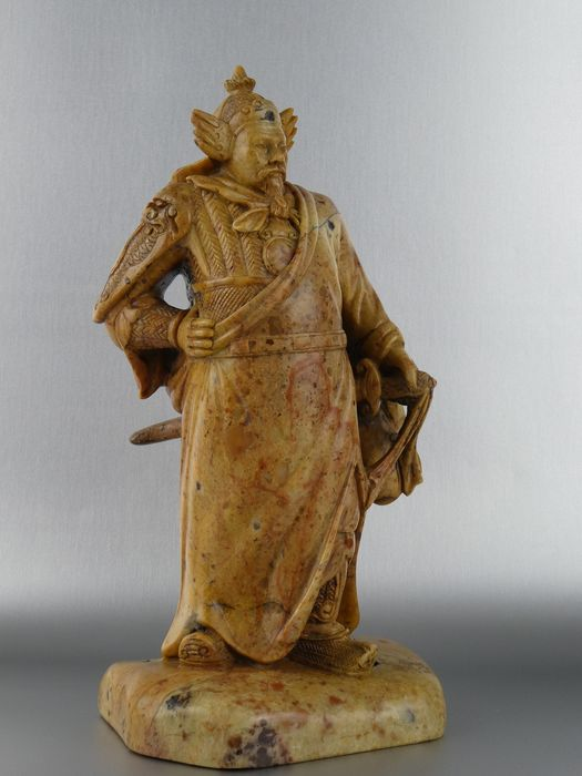 Sculpture - Soapstone - Very fine carved sculpture of commander-Signed - China - Ca. 1950-1970